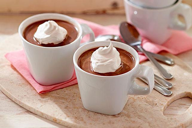 Приготовление кофе с какао и миндалем